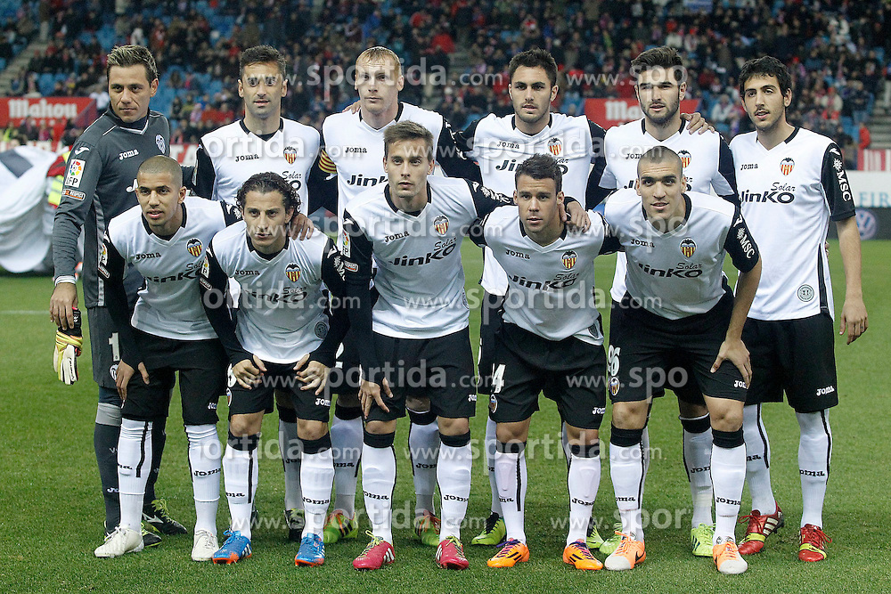 15.12.2013, Estadio Vicente Calderon, Madrid, ESP, Primera Division, Atletico Madrid vs FC Valencia, 16. Runde, im Bild Valencia's team photo with Diego Alves, Jonas Goncalves, Jeremy Mathieu, Victor Ruiz, Antonio Barragan, Daniel Parejo, Sofiane Feghouli, Andres Guardado, Sergio Canales, Juan Bernat and Oriol Romeu // Valencia's team photo with Diego Alves, Jonas Goncalves, Jeremy Mathieu, Victor Ruiz, Antonio Barragan, Daniel Parejo, Sofiane Feghouli, Andres Guardado, Sergio Canales, Juan Bernat and Oriol Romeu during the Spanish Primera Division 16th round match between Club Atletico de Madrid and Valencia CF at the Estadio Vicente Calderon in Madrid, Spain on 2013/12/15. EXPA Pictures &copy; 2013, PhotoCredit: EXPA/ Alterphotos/ Acero<br /> <br /> *****ATTENTION - OUT of ESP, SUI*****