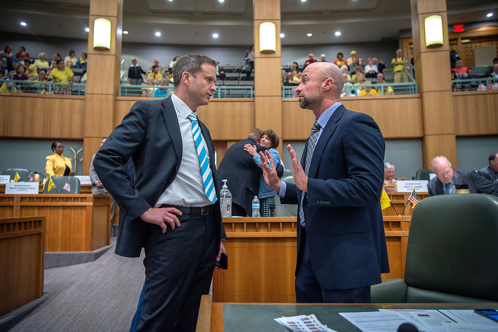 em052417e/a/House Minority Leader Nate Gentry, R-Albuquerque, left, and Rep. Bill McCamley, D-Messilla Park, talk at the start special legislative session in Santa Fe, Wednesday May 24, 2017. (Eddie Moore/Albuquerque Journal