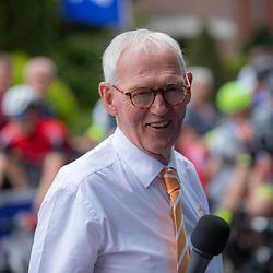 06-07-2019: Wielrennen: Ronde van Twente: Enter<br />Harry Middeljans deed zijn laatste officiele wedstrijd als wielerspeakrer