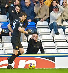 BIRMINGHAM, ENGLAND - Sunday, November 1, 2009: Manchester City's Gareth Barry is abused by Birmingham City supporters during the Premiership match at St Andrews. (Pic by David Rawcliffe/Propaganda)