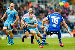 Jack Maunder of Exeter Chiefs is marked by Jack Wilson of Bath Rugby - Mandatory by-line: Ryan Hiscott/JMP - 03/11/2018 - RUGBY - Sandy Park Stadium - Exeter, England - Exeter Chiefs v Bath Rugby - Premiership Rugby Cup