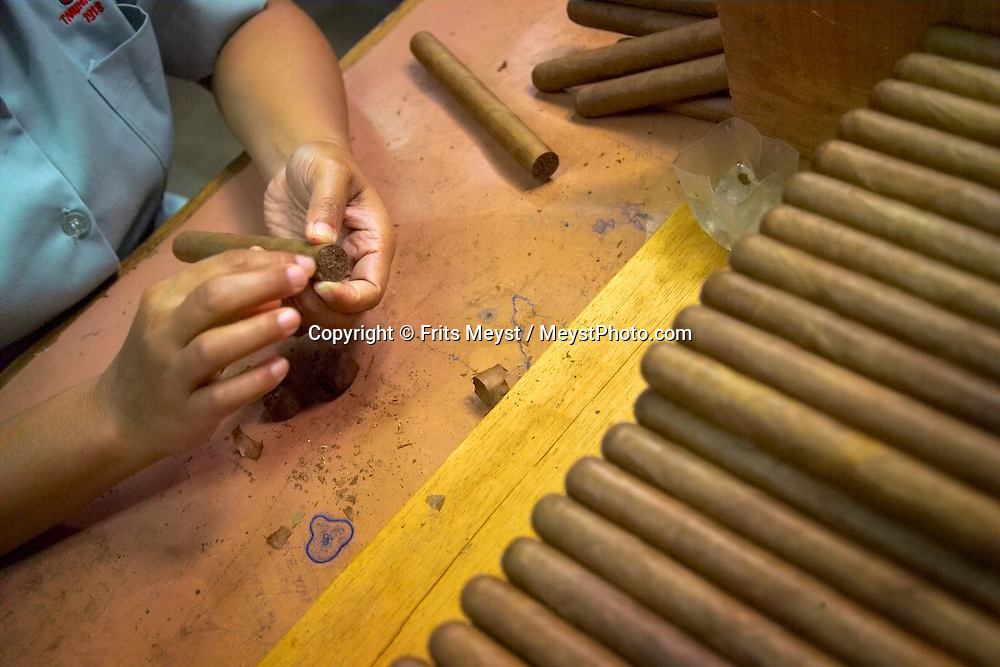 Yogyakarta, Java, Indonesia, October 2006. A cigar factory makes quality cigars for export. The island of Java is rich with culture, colorful friendly people, dutch colonial history and beautiful landscapes. Photo by Frits Meyst/Adventure4ever.com