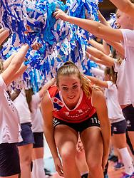 06-05-2017 NED: Finale play off Sliedrecht Sport - VC Sneek, Sliedrecht<br /> Sliedrecht is Nederlands kampioen 2016-2017 / Roos van Wijnen #11 of Sneek
