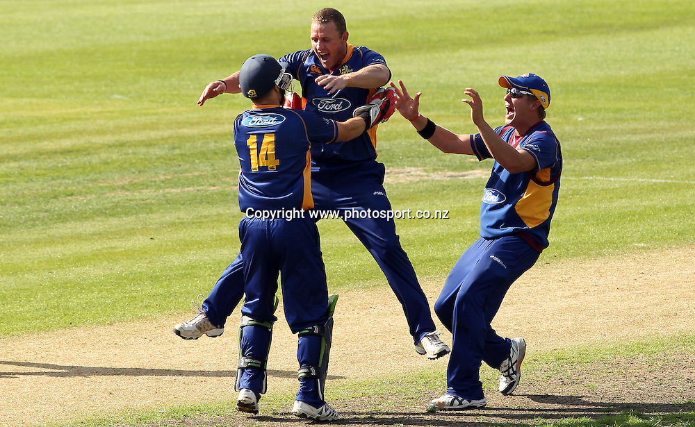 Craig Cumming celebrates taking the final Wizards wicket for the Otago Volts for an unlikely victory.<br /> Otago Volts v Canterbury Wizards, 5 February 2012, University Oval, Dunedin, New Zealand.<br /> Photo: Rob Jefferies/PHOTOSPORT