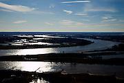 Nederland, Gelderland, Gelderse Poort, 07-03-2010; Pannerdensche Kop, de Rijn, afkomstig uit Duitsland, splitst zich in Pannerdensch Kanaal en Waal (boven, richting Nijmegen). .'Pannerden Head', the Rhine coming from Germany, is divided into Pannerdensch Channel and Waal (to Nijmegen)..luchtfoto (toeslag), aerial photo (additional fee required).foto/photo Siebe Swart
