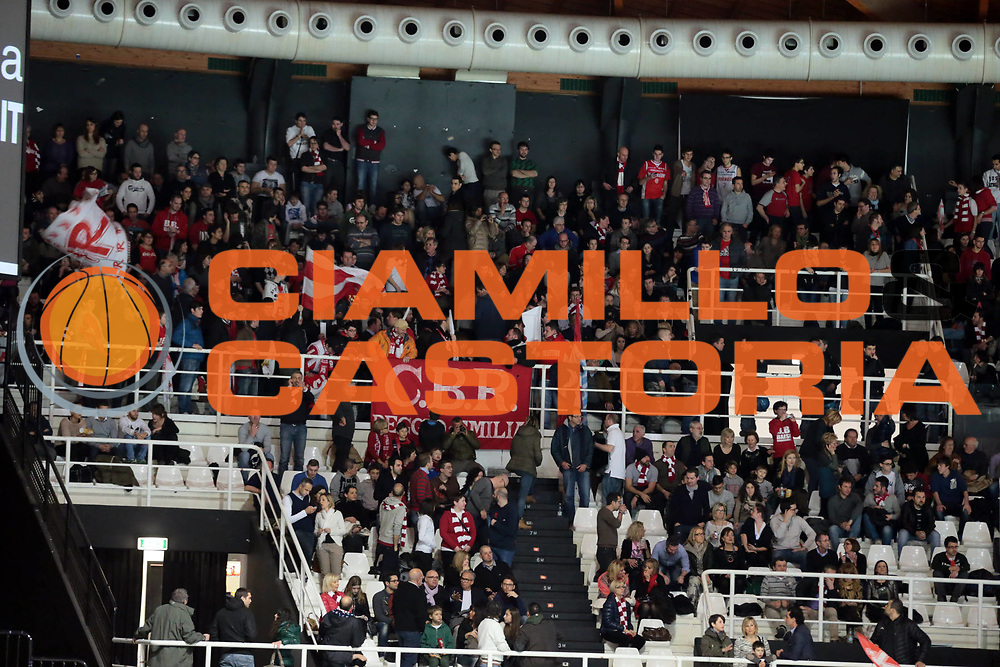 DESCRIZIONE : Bologna Lega A 2012-13 Oknoplast Virtus Bologna Trenkwalder Reggio Emilia<br /> GIOCATORE : tifosi supporters<br /> CATEGORIA : tifosi supporters<br /> SQUADRA :  Trenkwalder Reggio Emilia<br /> EVENTO : Campionato Lega A 2012-2013<br /> GARA : Oknoplast Virtus Bologna Trenkwalder Reggio Emilia<br /> DATA : 17/03/2013<br /> SPORT : Pallacanestro <br /> AUTORE : Agenzia Ciamillo-Castoria/D.Vigni<br /> Galleria : Lega Basket A 2012-2013 <br /> Fotonotizia : Bologna Lega A 2012-13 Oknoplast Virtus Bologna Trenkwalder Reggio Emilia<br /> Predefinita :