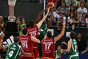 DESCRIZIONE : Roma Lega A1 2007-08 Playoff Semifinale Gara 1 Lottomatica Virtus Roma Air Avellino<br />GIOCATORE : Eric Williams Erazem Lorbek<br />SQUADRA : Lottomatica Virtus Roma<br />EVENTO : Campionato Lega A1 2007-2008 <br />GARA : Lottomatica Virtus Roma Air Avellino<br />DATA : 23/05/2008 <br />CATEGORIA : Stoppata Rimbalzo<br />SPORT : Pallacanestro <br />AUTORE : Agenzia Ciamillo-Castoria/G.Ciamillo