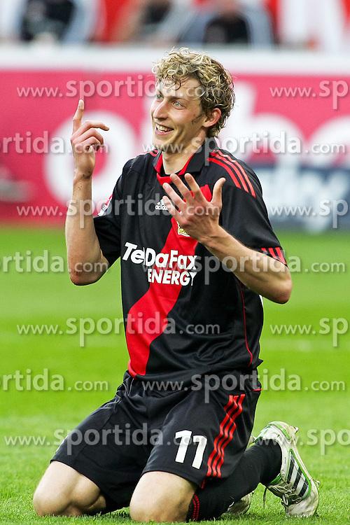 10.04.2011,  BayArena, Leverkusen, GER, 1. FBL, Bayer Leverkusen vs FC St. Pauli, 29. Spieltag, im Bild: Stefan Kießling (Leverkusen #11)  grinst EXPA Pictures © 2011, PhotoCredit: EXPA/ nph/  Mueller       ****** out of GER / SWE / CRO  / BEL ******
