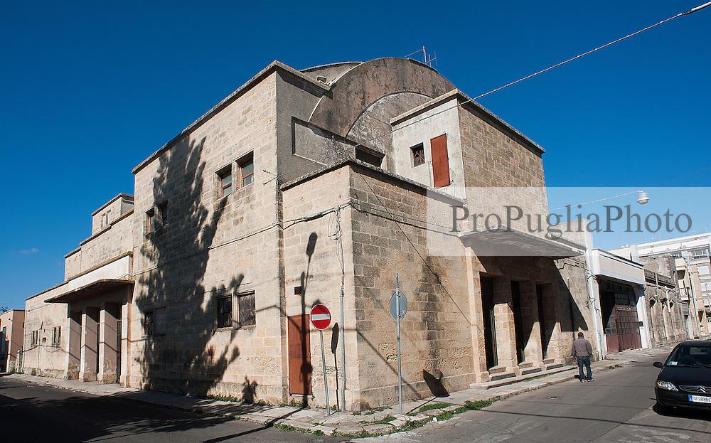 Alessano LE, 02 ottobre 2013<br /> Immagini del Cinema Arcobaleno di Alessano in disuso oramai da diversi anni.<br /> <br /> Pictures of an old Cinema in the small town of Alessano (Lecce) in Apulia Region.<br /> The Cinema has been closed down more than 20 years ago.<br /> <br /> &copy; Kash Gabriele Torsello