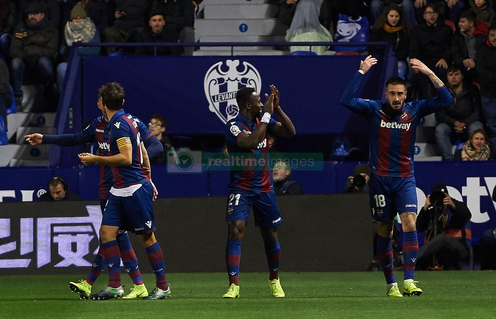 صور مباراة : ليفانتي - برشلونة 2-1 ( 10-01-2019 ) 20190110-zaa-a181-186