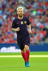 LONDON, ENGLAND - Saturday, August 6, 2016: FC Barcelona's Lionel Messi in action against Liverpool during the International Champions Cup match at Wembley Stadium. (Pic by Xiaoxuan Lin/Propaganda)