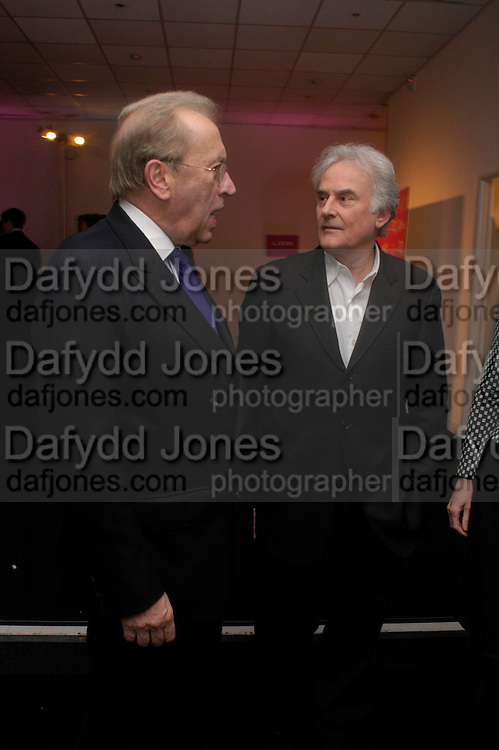Sir David Frost and Sir Richard Eyre. Moet champagne reception, FAST FORWARD - a fundraising event for the National Theatre,  The former Saatchi Gallery, London NW8. 24 February 2005. ONE TIME USE ONLY - DO NOT ARCHIVE  © Copyright Photograph by Dafydd Jones 66 Stockwell Park Rd. London SW9 0DA Tel 020 7733 0108 www.dafjones.com