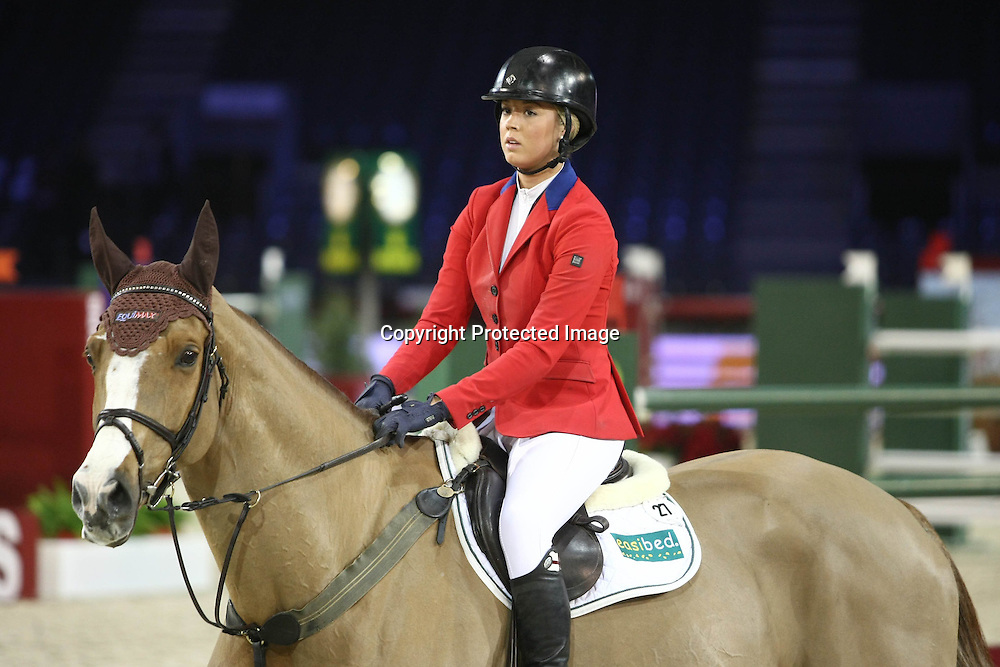 Equitation : Gucci Masters - 03.12.2010 - Prix Le Figaro CSI5 - Ellen Whitaker (GBR/sur Equimax Ocolado) *** Local Caption *** 00042820