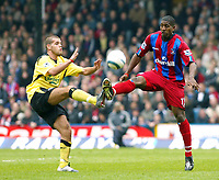 Fotball<br /> Premier League 2004/05<br /> Crystal Palace v Liverpool<br /> 23. april 2005<br /> Foto: Digitalsport<br /> NORWAY ONLY<br /> John Welsh of Liverpool and Mikele Leigertwood of Palace tussle for the ball