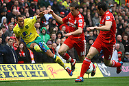 Picture by Paul Chesterton/Focus Images Ltd.  07904 640267.28/04/12.Elliott Bennett of Norwich crosses the ball during the Barclays Premier League match at Carrow Road Stadium, Norwich.