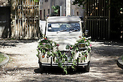 2CV made up for wedding
