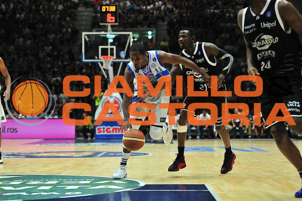 DESCRIZIONE : Campionato 2014/15 Dinamo Banco di Sardegna Sassari - Virtus Granarolo Bologna<br /> GIOCATORE : Jerome Dyson<br /> CATEGORIA : Palleggio Penetrazione Fallo<br /> SQUADRA : Dinamo Banco di Sardegna Sassari<br /> EVENTO : LegaBasket Serie A Beko 2014/2015<br /> GARA : Dinamo Banco di Sardegna Sassari - Virtus Granarolo Bologna<br /> DATA : 12/10/2014<br /> SPORT : Pallacanestro <br /> AUTORE : Agenzia Ciamillo-Castoria / M.Turrini<br /> Galleria : LegaBasket Serie A Beko 2014/2015<br /> Fotonotizia : Campionato 2014/15 Dinamo Banco di Sardegna Sassari - Virtus Granarolo Bologna<br /> Predefinita :