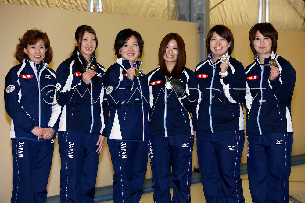 Silver Medals for Japan, women's team, from left cpach Hatomi NAGAOKA, Emi SHIMIZU, Satsuki FUJISAWA, Miyo ICHIKAWA, Miyuki SATOH, Chiaki MATSUMURA