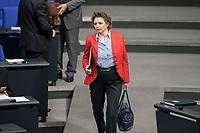 14 FEB 2019, BERLIN/GERMANY:<br /> Nicola Beer, MdB, FDP, Generalsekretaerin der FDP, Bundestagsdebatte, Plenum, Deutscher Bundestag<br /> IMAGE: 20190214-01-001<br /> KEYWORDS: Bundestag, Debatte