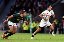 Ben Te'o of England goes on the attack - Mandatory byline: Patrick Khachfe/JMP - 07966 386802 - 03/11/2018 - RUGBY UNION - Twickenham Stadium - London, England - England v South Africa - Quilter International