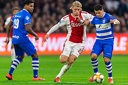 13-03-2019 NED: Ajax - PEC Zwolle, Amsterdam<br /> Ajax has booked an oppressive victory over PEC Zwolle without entertaining the public 2-1 / Kasper Dolberg #25 of Ajax, Gustavo Hamer #6 of PEC Zwolle