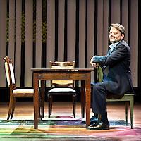 Nederland, Hoofddorp, 22-01-2011.<br /> Victor Low, acteur, in de setting van het toneelstuk &quot;De Aanslag&quot;.<br /> Foto : Klaas Jan van der Weij