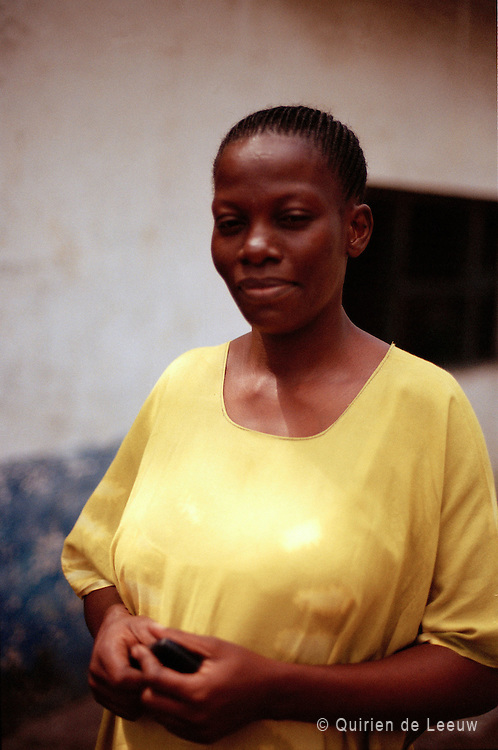 Portret van een lerares op de Ferry nurseryschool, Mombasa