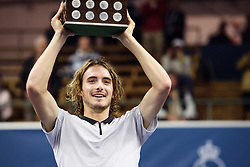 October 21, 2018 - Stockholm, Sweden - 181021 Stefanos Tsitsipas, Grekland lyfter pokalen efter finalen av tennisturneringen Stockholm Open den 21 oktober 2018 i Stockholm  (Credit Image: © Erik Simander/Bildbyran via ZUMA Press)