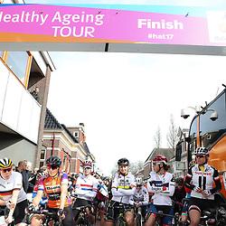 05-04-2017: Wielrennen: Healthy Ageing Tour: Grijpskerk<br />GRIJPSKERK (NED) wielrennen<br />Before the start