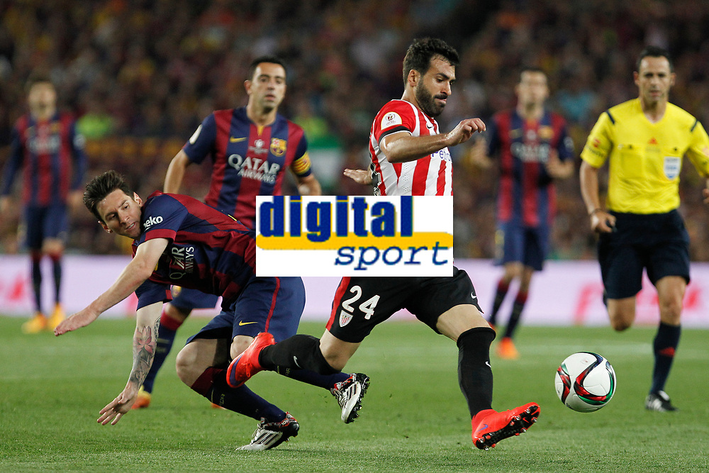 Barcelona´s Leo Messi (L) and Athletic de Bilbao´s Mikel Balenziaga during 2014-15 Copa del Rey final match between Barcelona and Athletic de Bilbao at Camp Nou stadium in Barcelona, Spain. May 30, 2015. (ALTERPHOTOS/Victor Blanco)