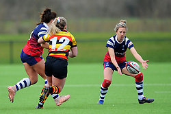 Daisie Mayes of Bristol Bears Women passes the ball to Elinor Snowsill of Bristol Bears Women - Mandatory by-line: Nizaam Jones/JMP - 23/03/2019 - RUGBY - Shaftesbury Park - Bristol, England - Bristol Bears Women v Richmond Women- Tyrrells Premier 15s