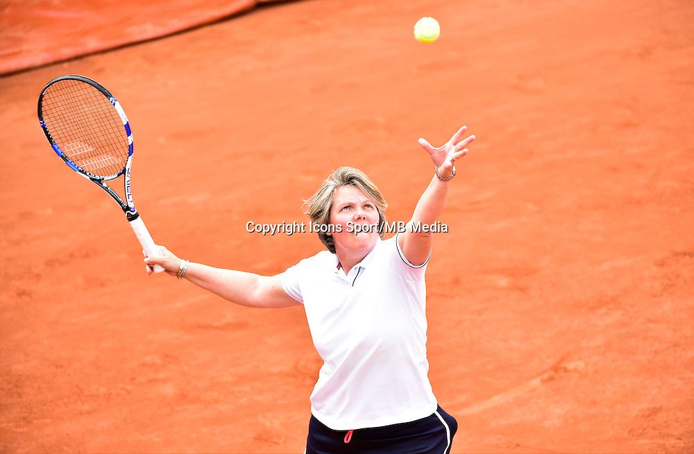 Nathalie TAUZIAT - 03.06.2015 - Jour 11 - Roland Garros 2015<br />Photo : Dave Winter / Icon Sport