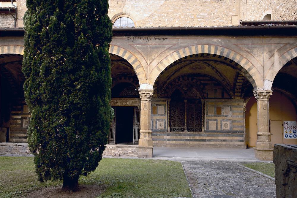 Green cloister of Sta Maria Novella, considered an extraordinary example of Italian Gothic architecture, begun around 1340 by Fra' Sisto and Fra' Ristoro. I like cloisters because they slow life down to make contemplation easier. Under the arcade is a series of frescoes by Paolo Uccello showing the Creation and the story of Noah, dated 1424.
