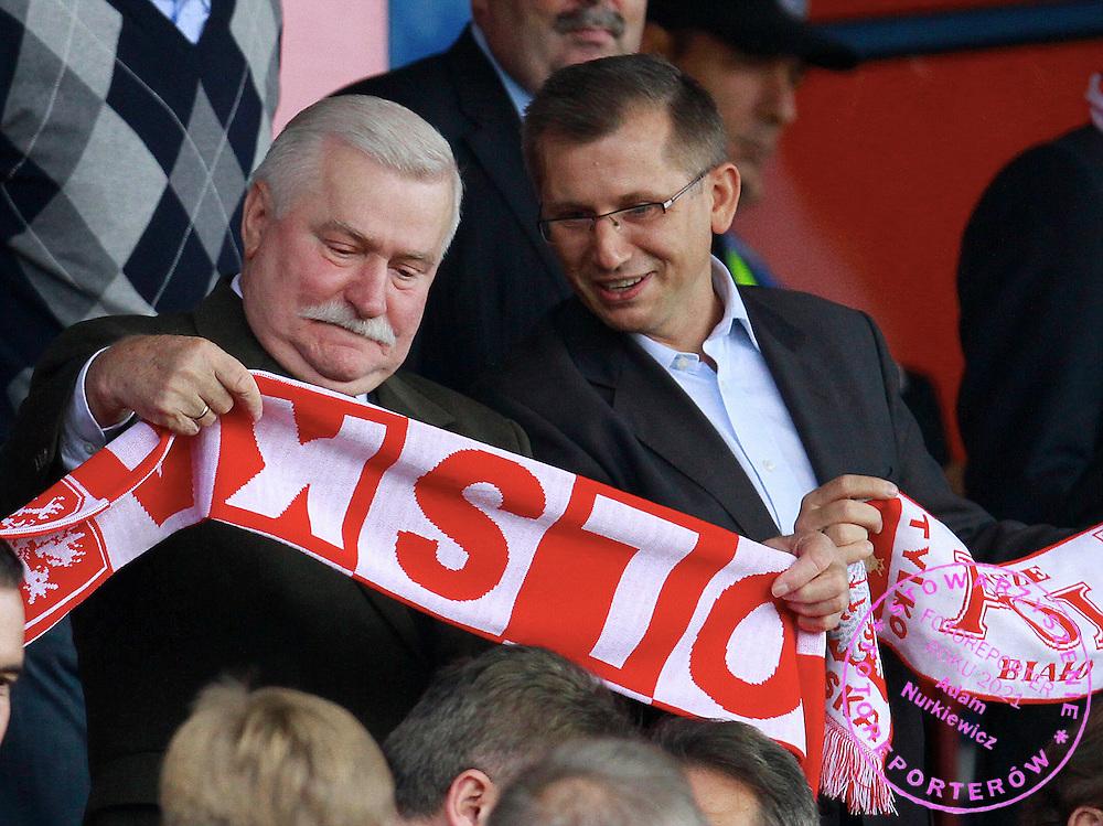 LODZ 04/09/2010.FOOTBALL INTERNATIONAL FRIENDLY.POLAND v UKRAINE.Former Polish president Lech Walesa /L/.Fot: Piotr Hawalej / WROFOTO