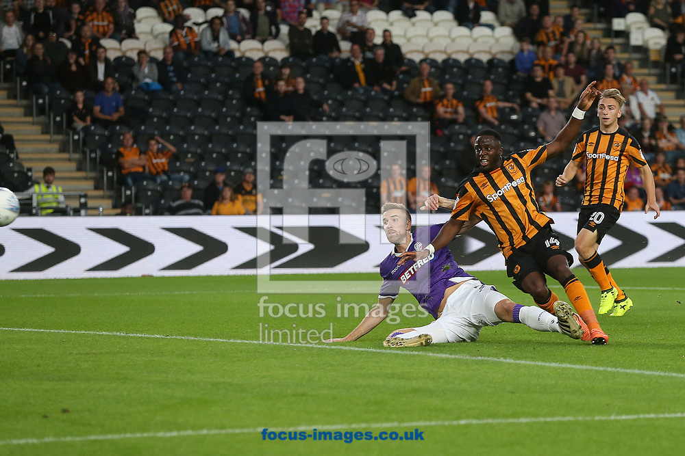Adama Diomande of Hull City scores his sides 1st goal during the Sky Bet Championship match at the KCOM Stadium, Hull<br /> Picture by Paul Chesterton/Focus Images Ltd +44 7904 640267<br /> 25/08/2017