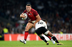 Sam Burgess of England takes on the Fiji defence - Mandatory byline: Patrick Khachfe/JMP - 07966 386802 - 18/09/2015 - RUGBY UNION - Twickenham Stadium - London, England - England v Fiji - Rugby World Cup 2015 Pool A.