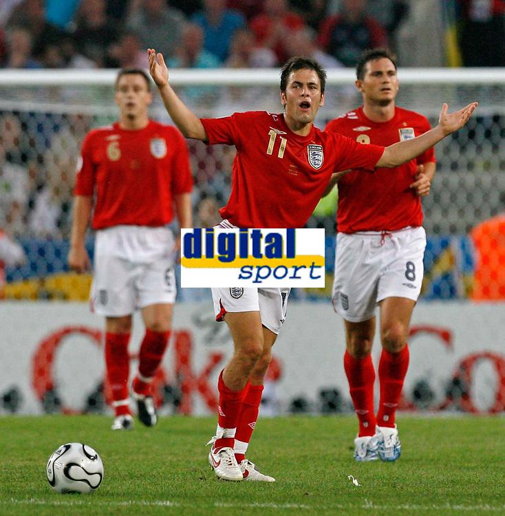 Photo: Glyn Thomas.<br />Sweden v England. FIFA World Cup 2006. 20/06/2006.<br /> England's Joe Cole.