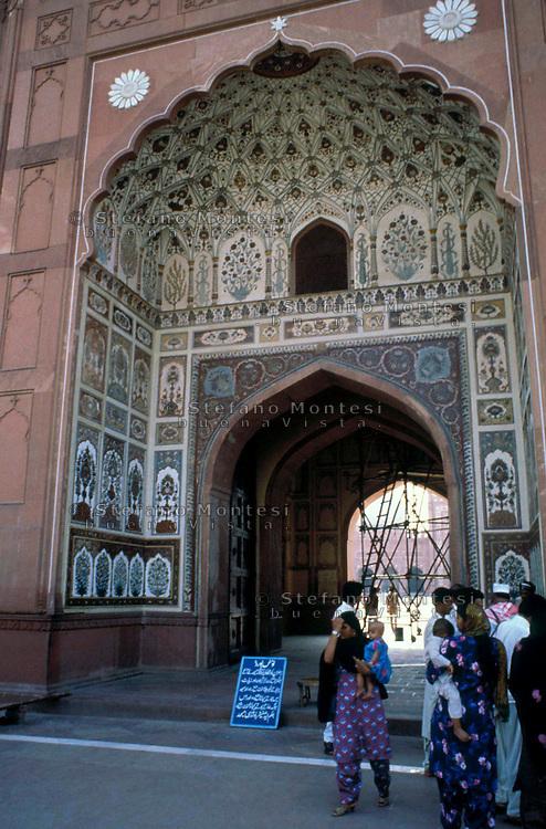 Pakistan  Lahore  1986..The gateway  to the Badshahi Mosque..