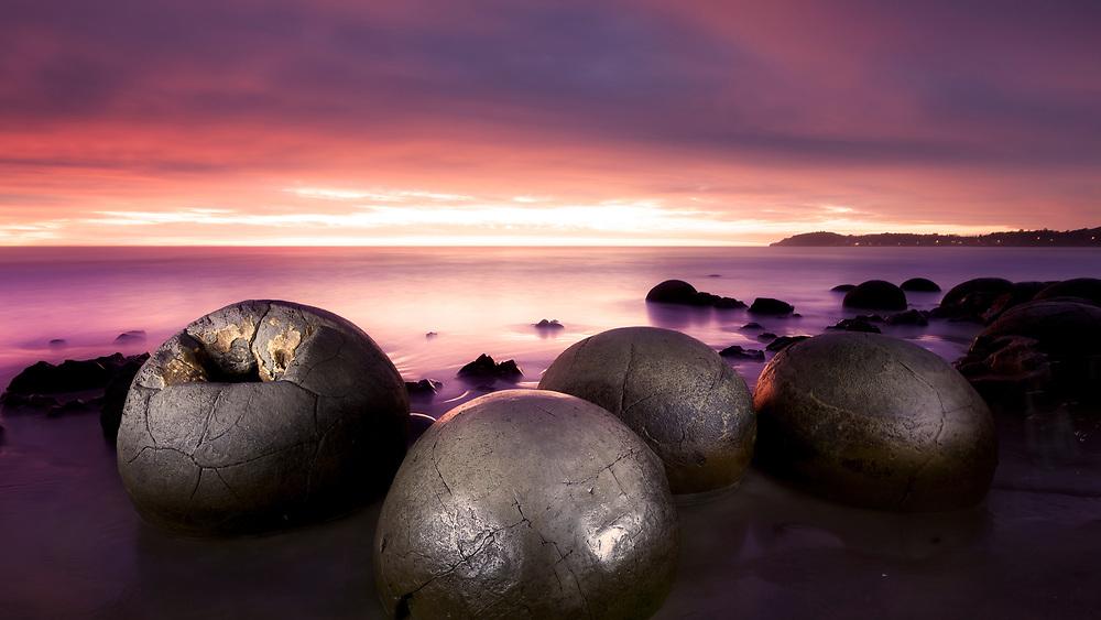 Moeraki Boulders at sunrise. Otago, New Zealand.