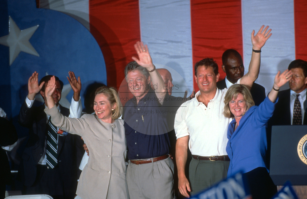 PADUCAH, KY - August 31: US President Bill Clinton with Vice President Al Gore during a campaign stop on their bus tour August 31, 1996 in Paducah, KY.      (Photo Richard Ellis)
