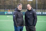 BLOEMENDAAL - coach Teun de Nooijer (Bl'daal) met assistent coach Andre Morees (Bl'daal) . hockey hoofdklasse dames Bloemendaal-Den Bosch (0-6) . COPYRIGHT KOEN SUYK