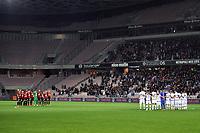 EQUIPE DE FOOTBALL DE NICE - EQUIPE DE FOOTBALL DE LYON - MINUTE DE SILENCE - HOMMAGE AUX VICTIMES DES ATTENTATS DE PARIS ET DE SAINT DENIS