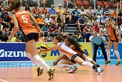 08-08-2014 NED: FIVB Grand Prix Nederland - Puerto Rico, Doetinchem<br /> Myrthe Schoot, Celeste Plak