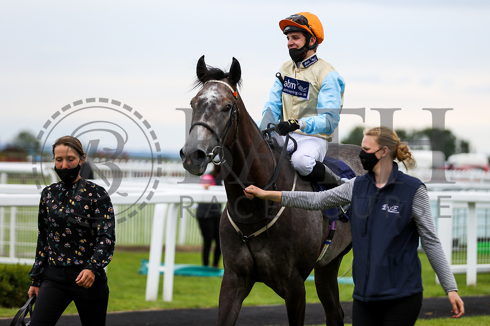 Ridgeway ridden by Charles Bishop (T: Eve Johnson Houghton) wins the 15:40 Sky Sports Racing HD Virgin 535 Median Auction Maiden Stakes - Rogan/JMP - 14/07/2020 - HORSE RACING - Bath Racecourse - Bath, England.