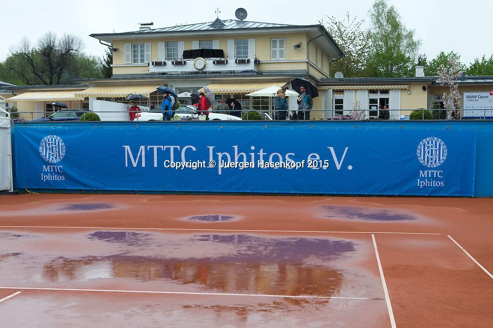 BMW Open 2015 im Regen<br /> <br /> Tennis - BMW Open - ATP -   - Muenchen - Bayern - Germany  - 1 May 2015. <br /> &copy; Juergen Hasenkopf