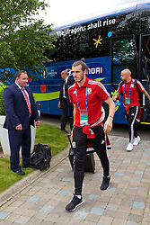 LILLE, FRANCE - Wednesday, June 15, 2016: Wales' Gareth Bale arrives at the team hotel, the Novotel Lens Noyelles, ahead of their Group Stage MD 2 game of the UEFA Euro 2016 Championship against England. (Pic by David Rawcliffe/Propaganda)