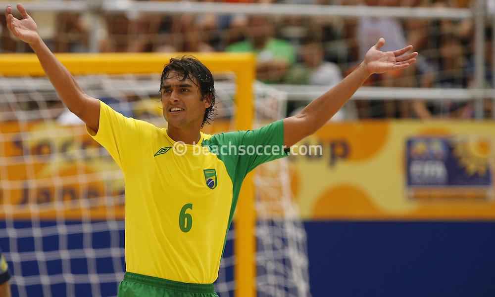 Football-FIFA Beach Soccer World Cup 2006 - Group A- Brazil - Japan, Beachsoccer World Cup 2006. Brasilian's Bruno - Rio de Janeiro - Brazil 05/11/2006. Mandatory credit: FIFA/ Manuel Queimadelos
