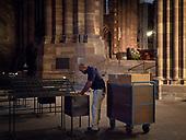 2018-08-24 employees Cathédrale Notre Dame de Strasbourg