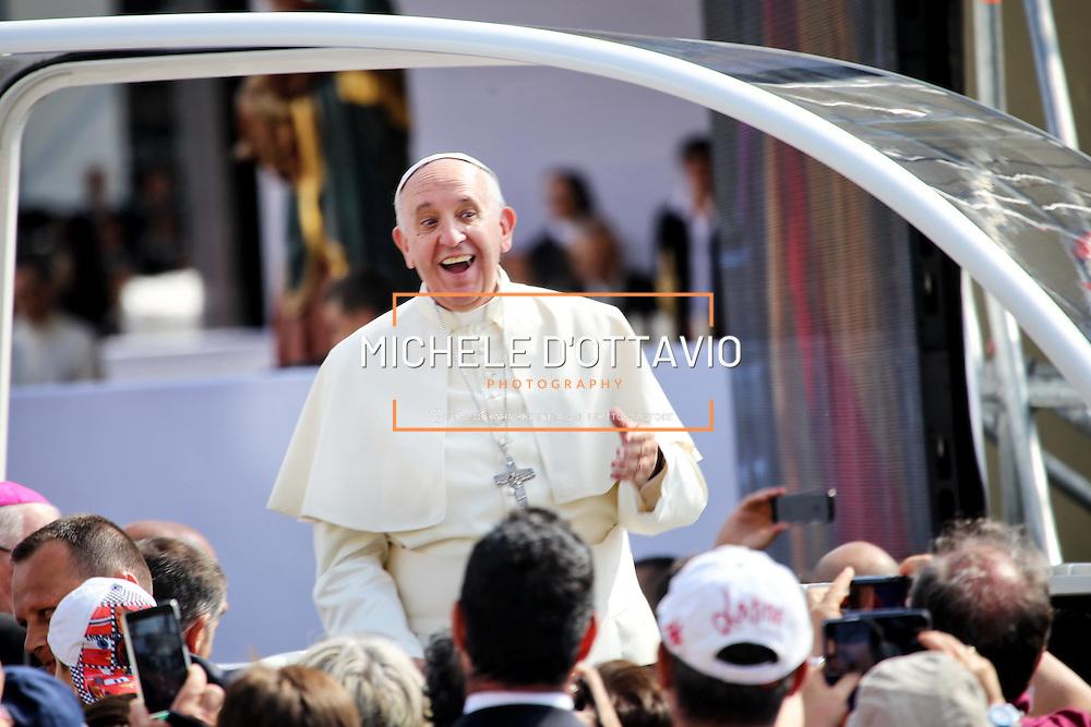Torino, 21 giugno 2015 - messa in piazza Vittorio di Papa Francesco