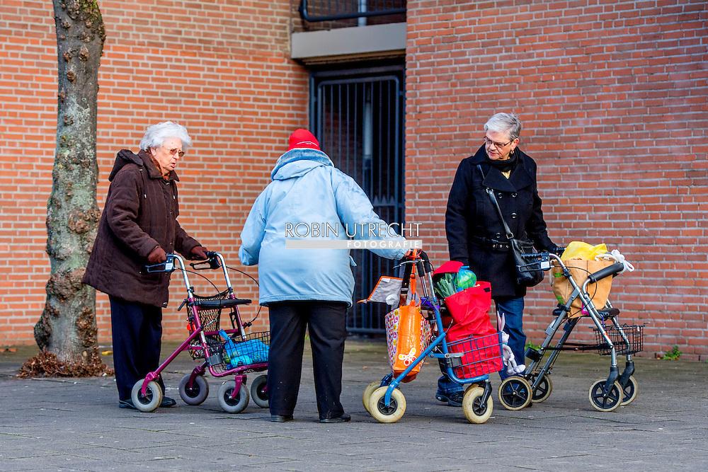 sport , sporten ouderen in een verzorgingshui tehuis , met hun rolator eenzaam , eenzaamheid , arbeidsplaatsen bejaardenhuis bejaardentehuis bejaardenzorg beperking bezuinigingen bezuinigingsplan chronisch economie gehandicapten gehandicaptenzorg gemeenten gezondheid hervormingen holland hulp hulpverlening inpakken kabinet kabinet-rutteii kabinetsplannen maatschappelijk maatschappelijke maatschappij mensen naar nederland ondersteuning onzekerheid opheffing ouderen ouderenzorg overgang participatiesamenleving problemen psychische regering regeringsplannen rijk rutteii samenleving schrappen senioren seniorenzorg sluiting snijden sociaal stelsel verandering verdwijnen verhuizen verhuizing verlies verschraling versobering vertrek verzorgingsstaat volksgezondheid voorzieningen vrouw wet wmo zieken zorg zorgcentrum zorghulp zorgstelsel 60 60 plus 65 65 plus 65+ 70 70 70 plus 75 75 plus accessories achteruitgang afdeling aftakeling age âge aged aid aid aided ailment alone secluded aloneness amstelveen ancient anticipation aow arrange arranging asisstance assurance at home bad bdagelijks bee been begeleiding bejaard bejaarde bejaarden bejaardenhuis bejaardentehuis bejaardenverzoging bejaardenzorg bewoner bewoners bezoek bij binnen budget budget budgetary plan buy buying care care choose clean clean up cleaning cleanse cleansing cleanup cleanups clearing concerns contact contact copyright copyright corridor corridor daardoor dag dagelijks dagelijkse dagopvang daily daily life day day day-care de decline declined decrease decreased demente dementie ROBIN UTRECHT